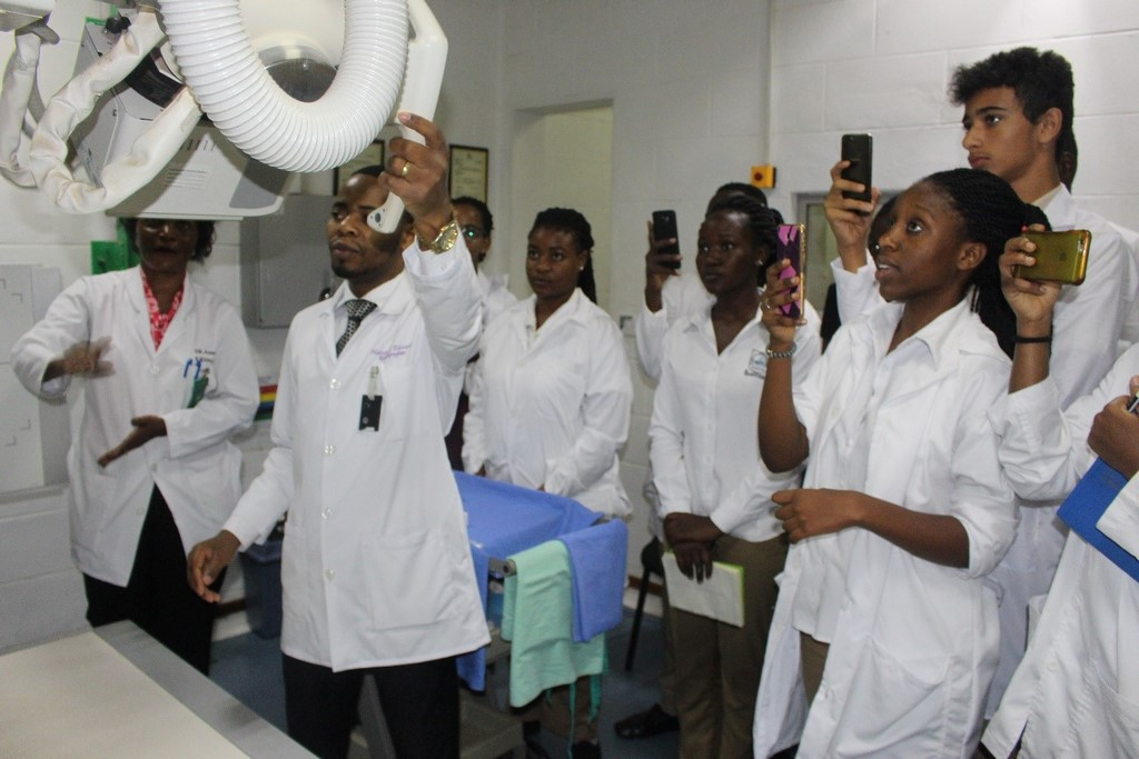 IHK-Hosts-Kabojja-International-School-Students-in-a-Tour-of-the-Radiology-Department.jpg